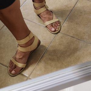 7.5 Franco Sarto sandals